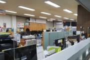 코로나19 예방 민원 창구 '투명 가림막' 설치